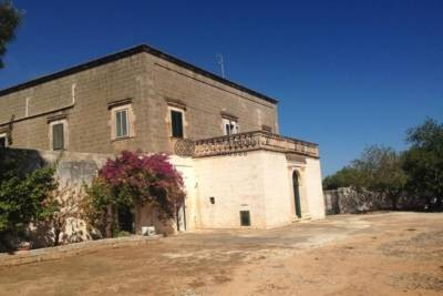 ANTIQUE MASSERIA WITH SEA VIEW IN OSTUNI, APULIA