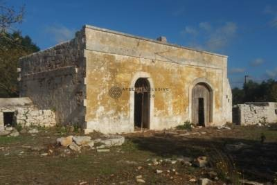 ANTIQUE COUNTRY HOUSE FOR SALE IN CEGLIE MESSAPICA, APULIA