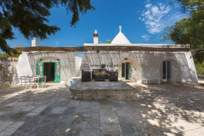ANTIQUE TRULLI FOR SALE IN OSTUNI, APULIA