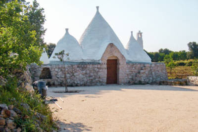 WHITE TRULLO FOR SALE IN CAROVIGNO APULIA