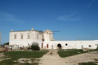 HISTORICAL MASSERIA WITH SPECTACULAR SEA VIEW – OSTUNI