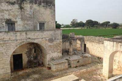 MAJESTIC MASSERIA TO RESTORE – MOLA DI BARI