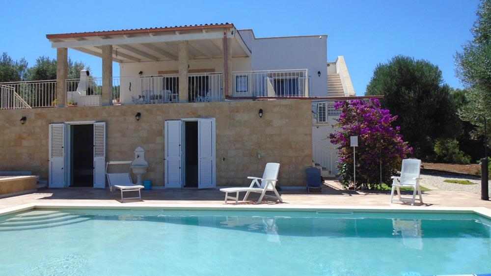 Camera Da Letto Con Piscina E Vista Mare Natura Design : Villa vista mare con piscina in vendita a carovigno puglia