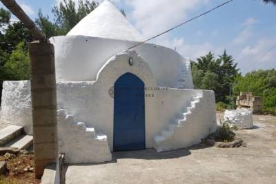 TRULLO WITH BEAUTIFUL SEA VIEW – CAROVIGNO