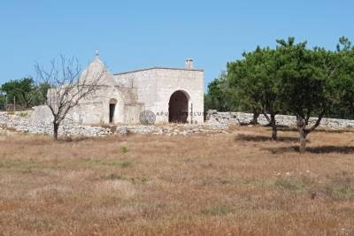 COMPLEX OF TRULLI AND LAMIE – OSTUNI PUGLIA