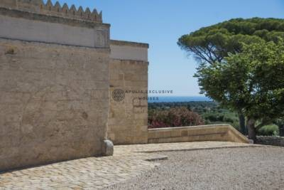 MAJESTIC RURAL MASSERIA IN CAROVIGNO