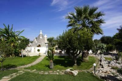 TRULLO SUENN'-ROMANTIC TRULLO WITH POOL IN SAN MICHELE SALENTINO