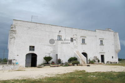HISTORICAL MASSERIA IN MARTINA FRANCA
