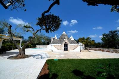 TRULLO STEPHAN – TRULLO CON PISCINA