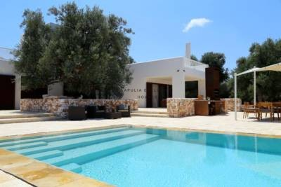 CHARMING VILLA WITH POOL – CAROVIGNO