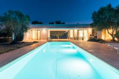 VILLA CLIZIA | Minimal villa with swimming pool in Puglia