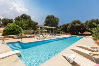 LUXURY PROPERTY VISTA MARE CON PISCINA IN CAROVIGNO