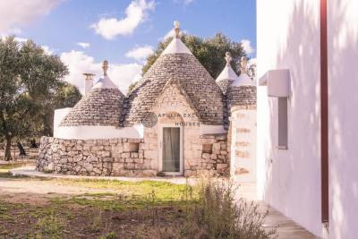 VILLA WITH TRULLO AND POOL IN SAN MICHELE SALENTINO