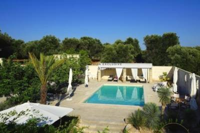 ELEGANT TRULLI WITH POOL – CEGLIE MESSAPICA