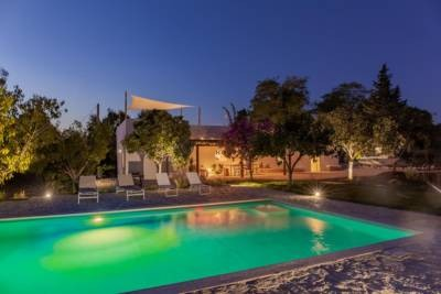 LAMIA WITH POOL AND PANORAMIC VIEW – OSTUNI