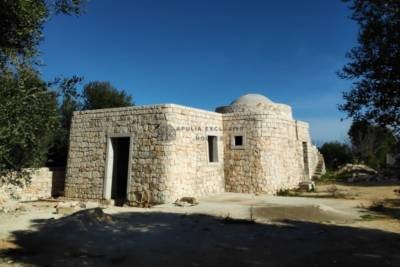 GORGEOUS TRULLO UNDER CONSTRUCTION IN OSTUNI