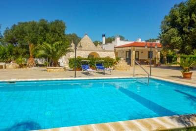 PEACEFUL TRULLO WITH POOL IN CAROVIGNO