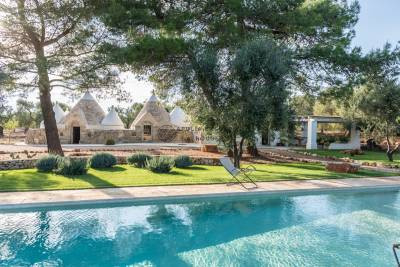 LUXURY TRULLI WITH POOL | in San Michele Salentino