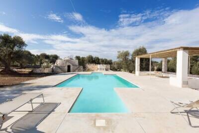 VILLA FRANCESCA | Elegant modern villa with swimming pool in Puglia