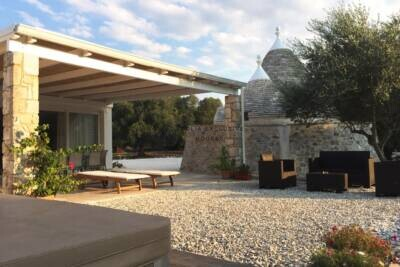 VILLA WITH TRULLI IN CAROVIGNO