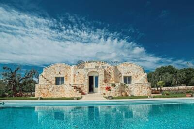 TRULLI WITH POOL | in Ostuni